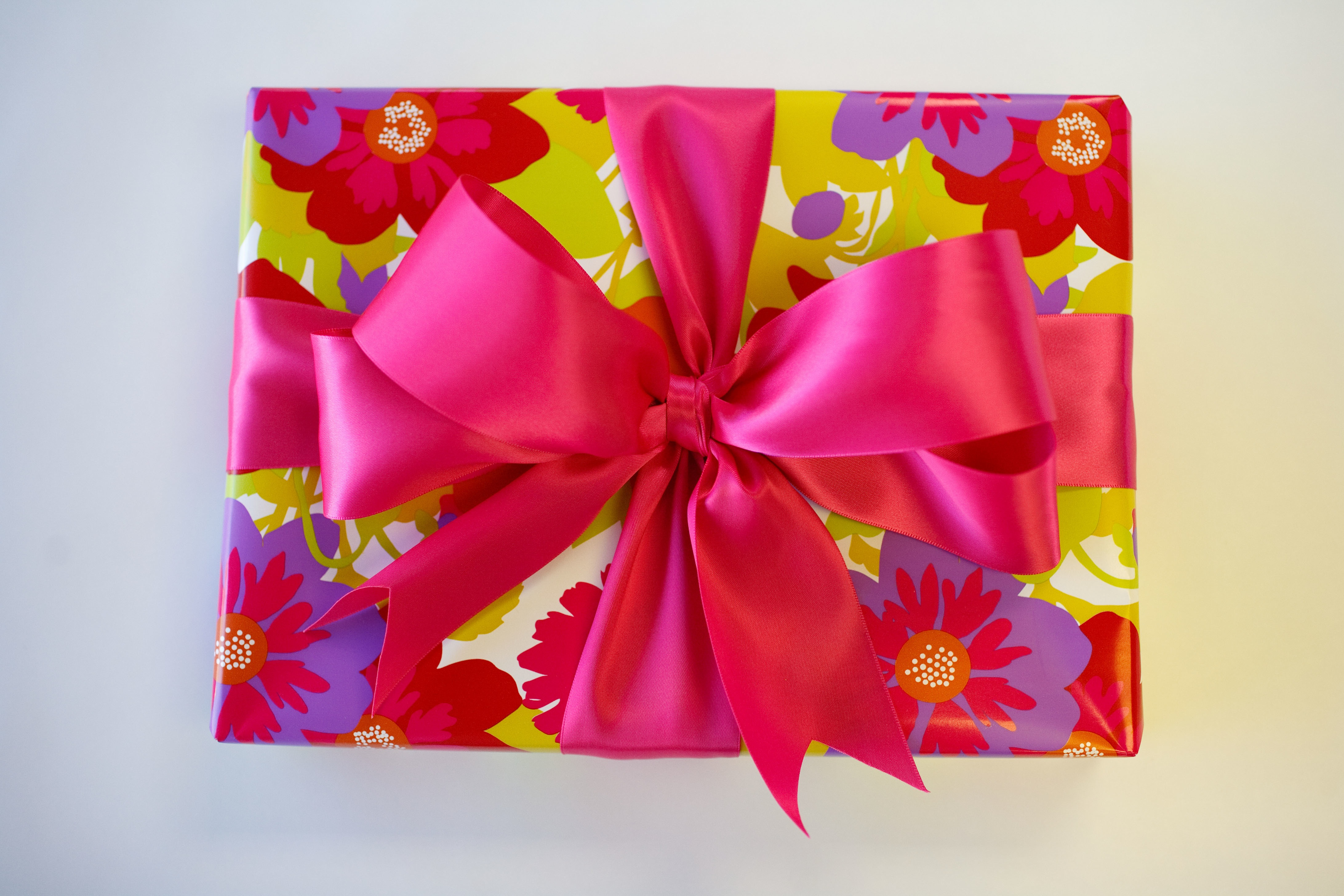 Flower Giftwrap with Pink Bow